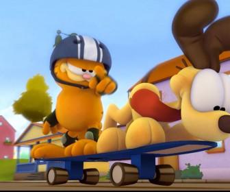Garfield And Odie Skateboarding Wallpaper