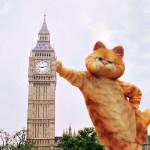 Garfield Leaning On Big Ben Wallpaper