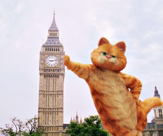 Garfield Leaning On Big Ben Wallpaper