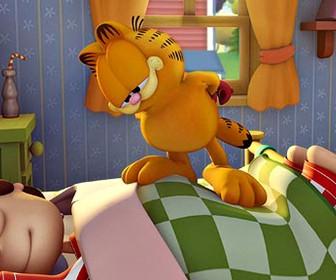 Garfield On Op Of Sleeping Jon Wallpaper